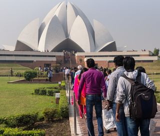 Lotus temple crowd-1030159